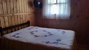 Casa de madeira em Caxias do Sul, Nyaralók  Caxias do Sul - big - 7
