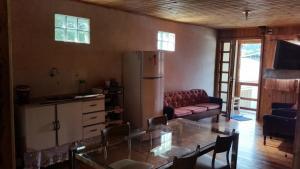 Casa de madeira em Caxias do Sul, Prázdninové domy  Caxias do Sul - big - 13