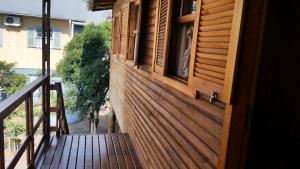 Casa de madeira em Caxias do Sul, Prázdninové domy  Caxias do Sul - big - 12