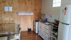 Casa de madeira em Caxias do Sul, Prázdninové domy  Caxias do Sul - big - 4