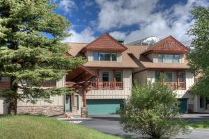 Crail Creek Condominiums | Unit 619