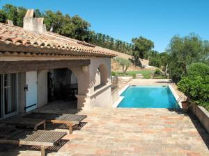 ;Villa Lou Amiradou 135S, Dovolenkové domy  Grimaud - big - 1