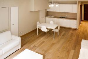LHP Suite Rivisondoli, Apartmanok  Rivisondoli - big - 6