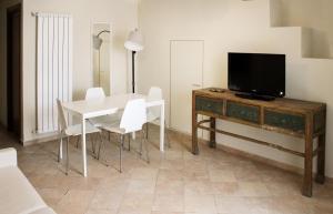 LHP Suite Rivisondoli, Apartmanok  Rivisondoli - big - 13