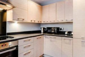 4 bedroom modern house in Colindale - The Hyde