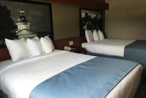 Queen Room with Two Queen Beds - Non- Smoking