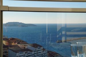 T1 Vue Panoramique Mer & Iles Frioul, Apartments  Marseille - big - 12