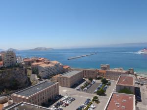 T1 Vue Panoramique Mer & Iles Frioul, Apartments  Marseille - big - 26