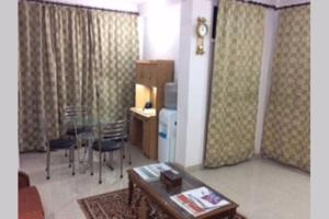 Red Cherry Service Apartment, Ferienwohnungen  Neu-Delhi - big - 11