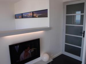 T1 Vue Panoramique Mer & Iles Frioul, Apartments  Marseille - big - 14