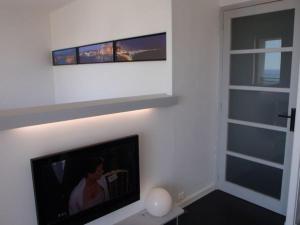 T1 Vue Panoramique Mer & Iles Frioul, Apartments  Marseille - big - 9