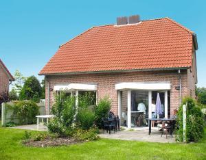 Ferienhaus Tossens 112S, Holiday homes  Tossens - big - 1