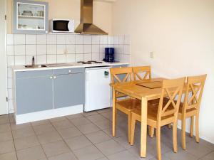 Ferienhaus Tossens 112S, Holiday homes  Tossens - big - 11