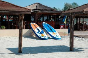 Oasis Beach Club, Szállodák  Lazurne - big - 22