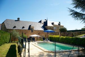 Les Charmes de Carlucet Manor and Villa, Ferienhäuser  Saint-Crépin-et-Carlucet - big - 21