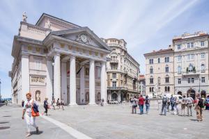 Triestevillas GHETTO AVANTGARDE 60, Ferienwohnungen  Triest - big - 34