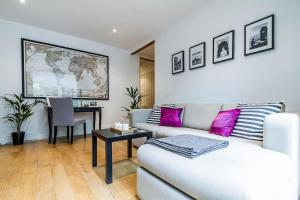 Entire Home in Islington sleeps 4 with garden, Апартаменты  Лондон - big - 22