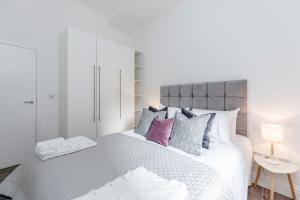 Soho 1 Bed Apartment L1 by BaseToGo, Апартаменты  Лондон - big - 18
