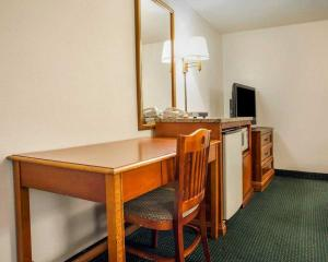 Senior Room with Two Double Beds - Non - Smoking