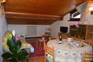 Casa Collini, Apartments  Pinzolo - big - 58