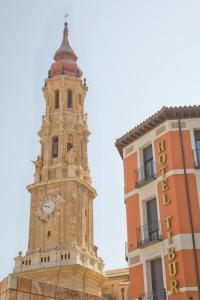 Hotel Tibur, Hotely  Zaragoza - big - 37