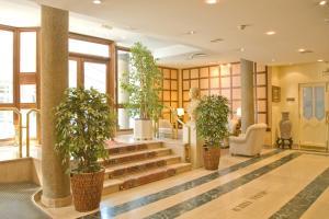 Hotel Tibur, Hotely  Zaragoza - big - 38