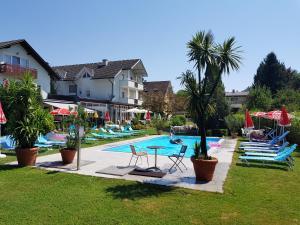 Hotel Villa Flora, Hotely  Velden am Wörthersee - big - 1