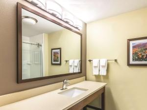 La Quinta Inn & Suites Durango, Hotely  Durango - big - 17