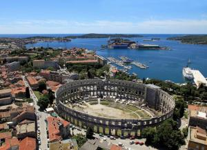 Apartment Pula 7681b, Appartamenti  Pola - big - 24