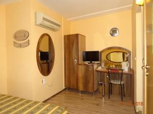 Hotel Color, Hotely  Varna - big - 99