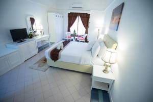 Package - Deluxe Room