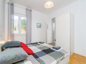 Two-Bedroom Apartment in Mlini, Ferienwohnungen  Mlini - big - 15