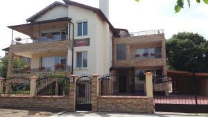 Guest House Amira, Гостевые дома  Кранево - big - 12