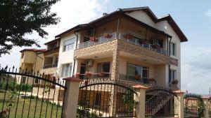 Guest House Amira, Гостевые дома  Кранево - big - 15