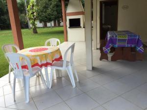 Villa das Alamandas, Holiday homes  Florianópolis - big - 41