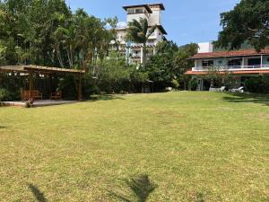 Villa das Alamandas, Holiday homes  Florianópolis - big - 21