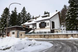 Villa Lauden, Bed & Breakfast  Rivisondoli - big - 12