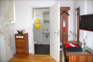 Gästehaus zur Linde, Penziony  Ingolstadt - big - 15