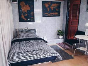 Dvoulůžkový pokoj s manželskou postelí a vlastní koupelnou