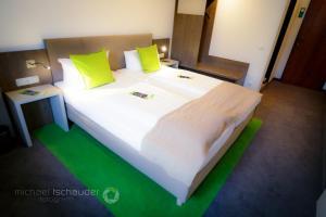 Hotel Gasthaus zur Linde, Отели  Зеветаль - big - 11