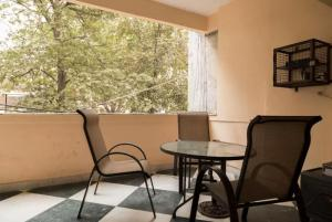 We At Home Serviced Apartment :), Apartments  New Delhi - big - 21