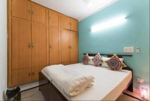 We At Home Serviced Apartment :), Apartments  New Delhi - big - 23