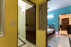 We At Home Serviced Apartment :), Apartments  New Delhi - big - 30