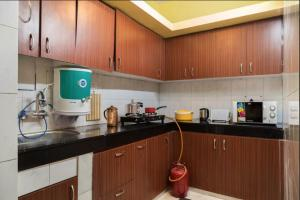 We At Home Serviced Apartment :), Apartments  New Delhi - big - 35