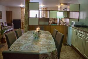 Apartment on Pospelova 12 а, Apartmány  Tashtagol - big - 18