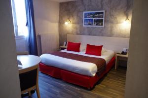 Logis Hotel Beaudon, Hotely  Pierrefonds - big - 12