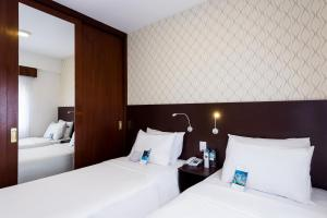Superior Room with two single beds