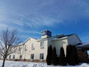 Cobblestone Inn & Suites Oshkosh