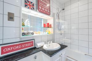 Outstanding Oxford Circus Home, Apartmány  Londýn - big - 29