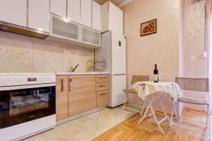 Jovana Apartment, Apartments  Budva - big - 7